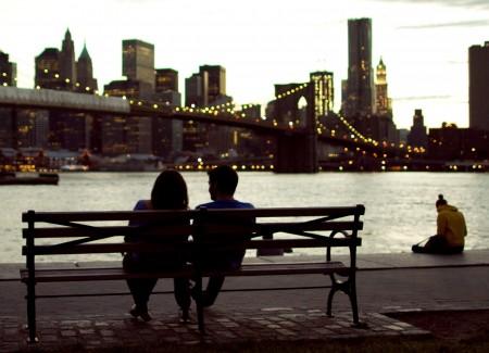 9 truques psicológicos para impressionar alguém que você acabou de conhecer