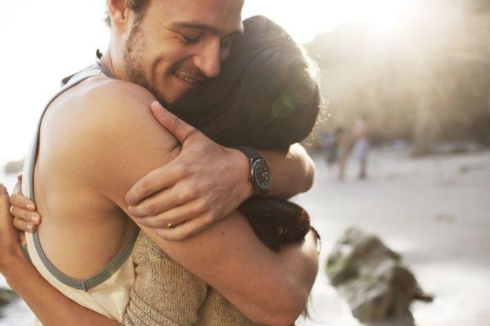 [Estudo] Abraços protegem contra estresse, depressão, infecções e gripes