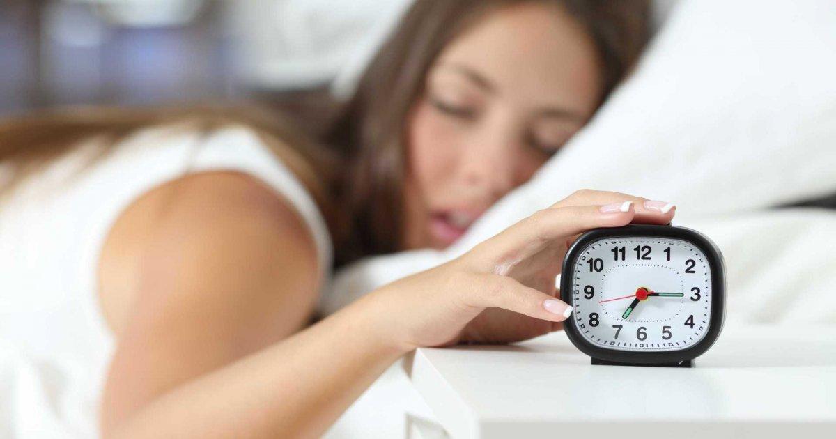 Pessoas-que-enrolam-para-acordar-de-manhã-são-mais-inteligentes